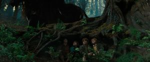 hobbits-hiding-from-nazgul