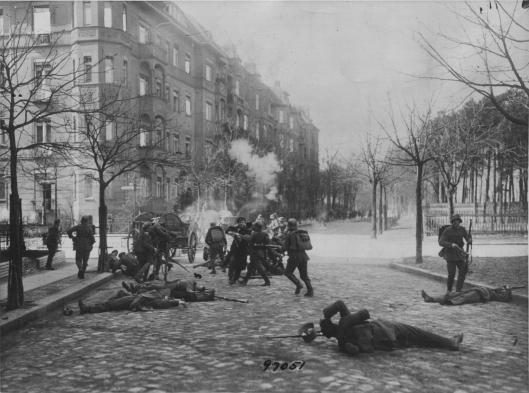CombatesEnBerlín19190903.jpg