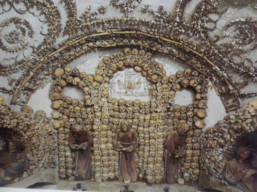 catacombburials.jpg