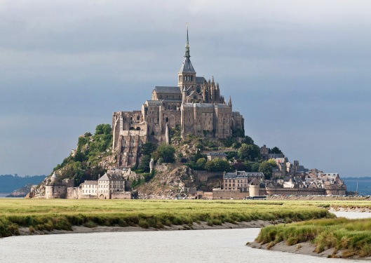 Mont_St_Michel_3,_Brittany,_France_-_July_2011.jpg