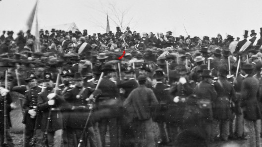 Crowd_of_citizens,_soldiers,_and_etc._with_Lincoln_at_Gettysburg._-_NARA_-_529085_-crop.jpg