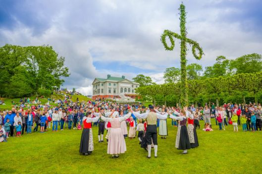 midsummer-celebration.jpg.990x0_q80_crop-smart